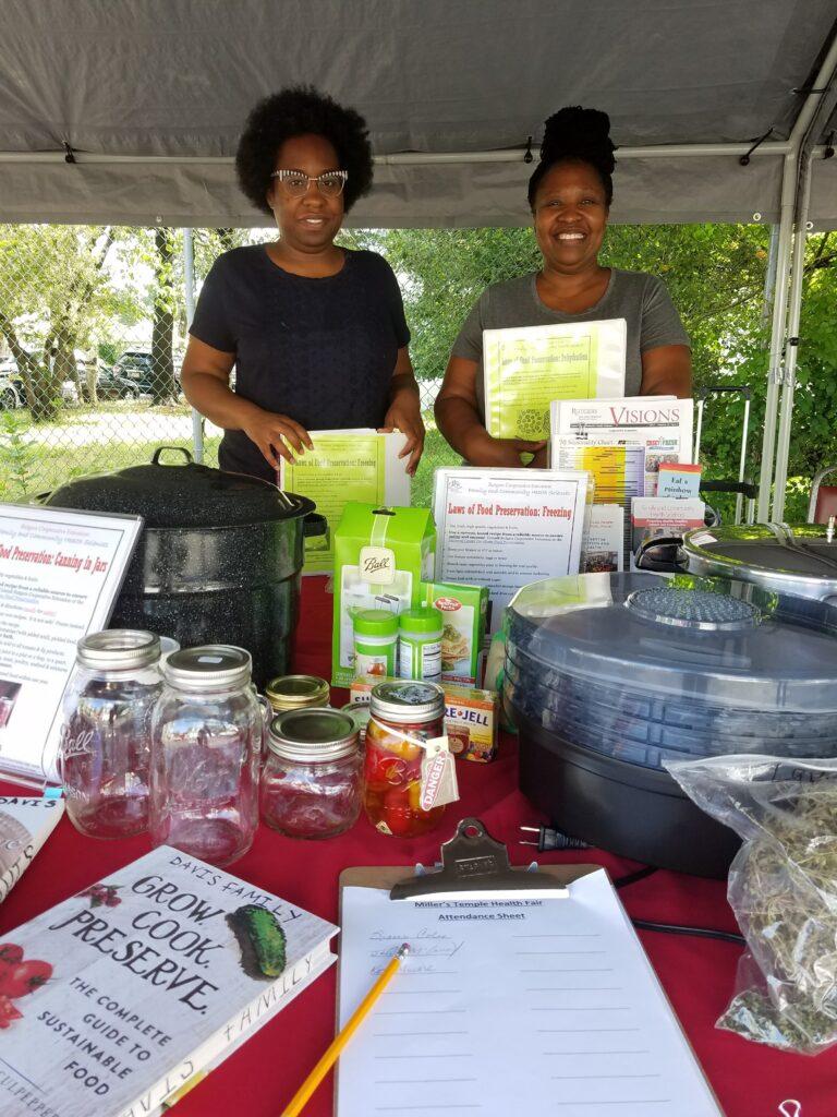 Master Food Preserver Volunteers